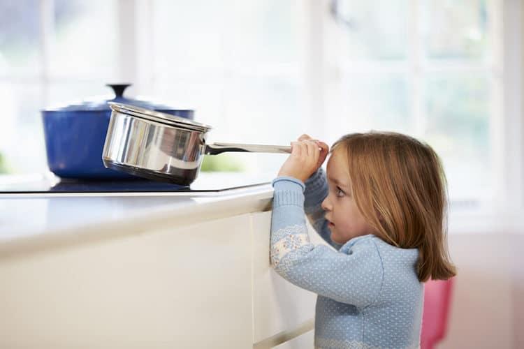 Haushaltsunfall bei Kindern | © panthermedia.net /Monkeybusiness Images