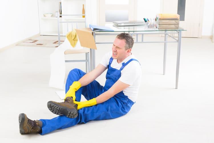 Haushaltsunfall beim Heimwerkern | © panthermedia.net /Amaviael
